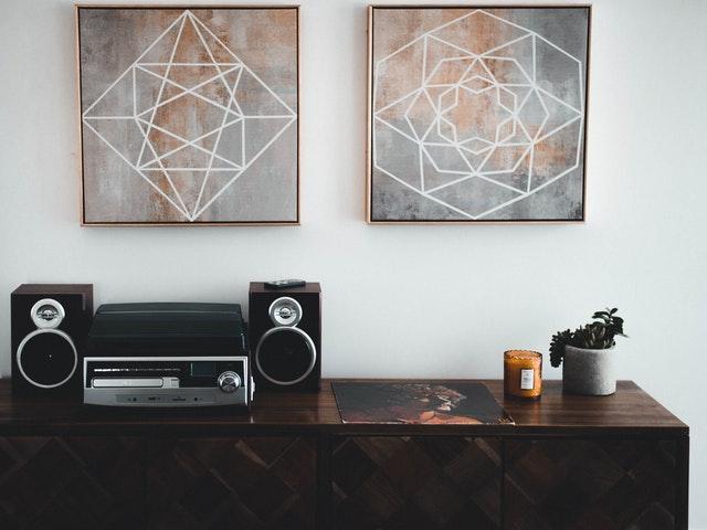Tavlor och stereo